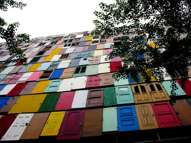 1,000 Door Building by Choi Jeong-Hwa
