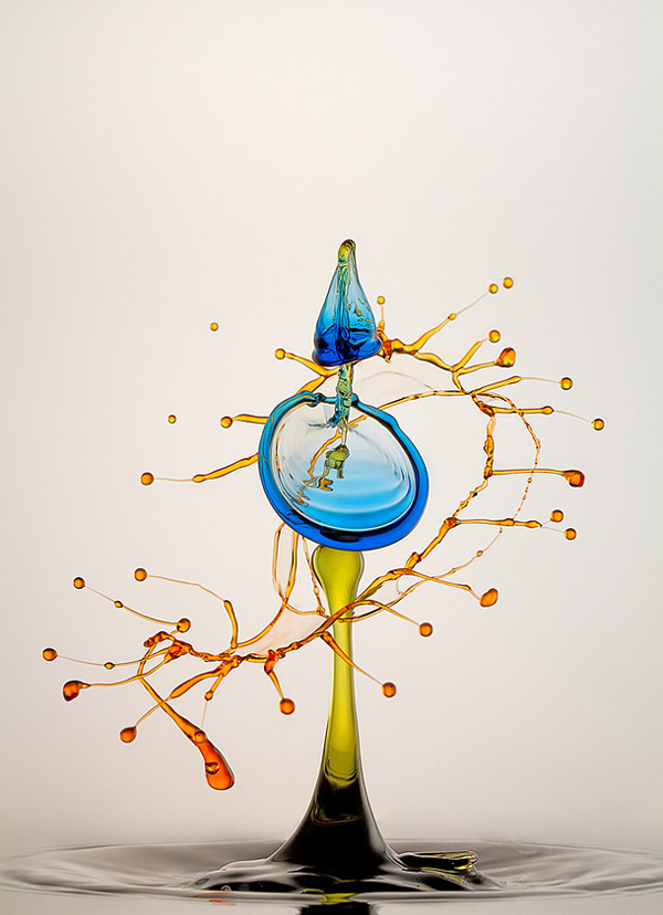 High-Speed Water Drop Photography by Heinz Maier