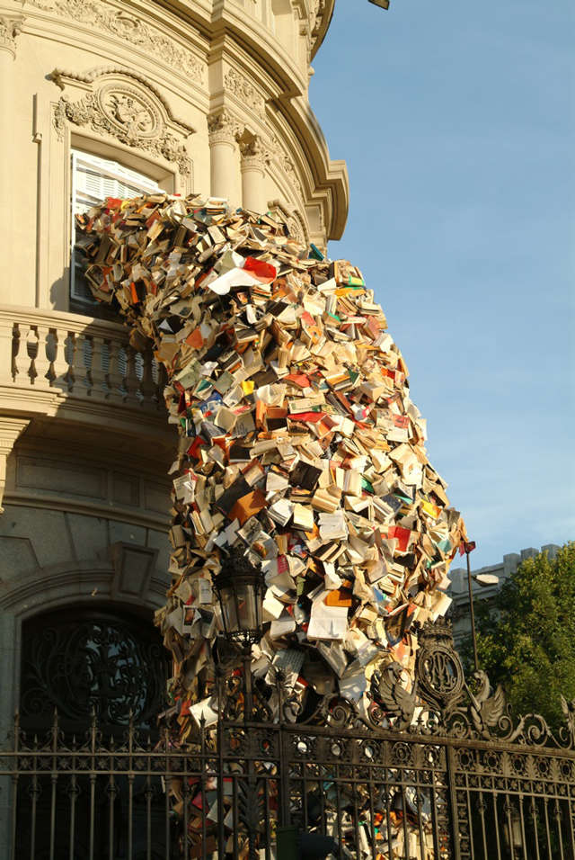 5,000 Books Pour Out of a Building in Spain