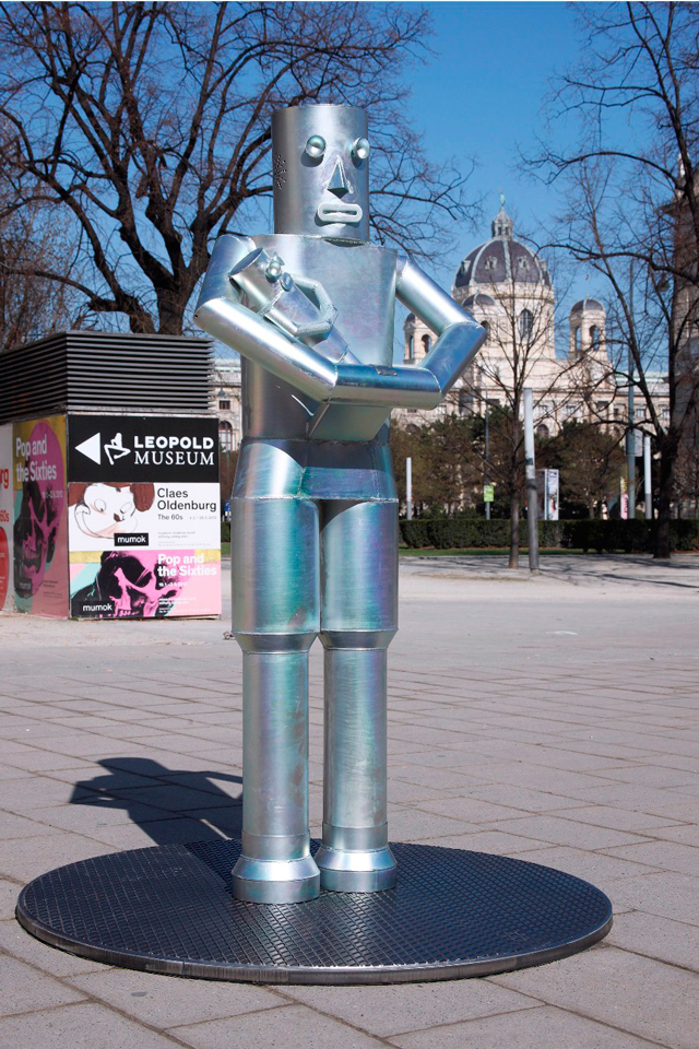 Artistul român Daniel Knorr expune la Technisches Museum din Viena
