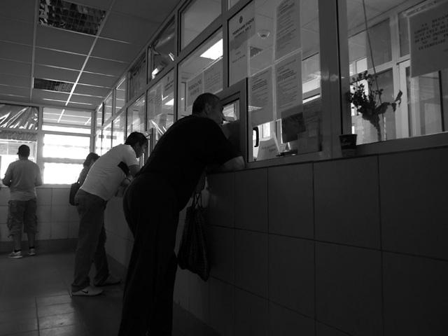 """Bogdan Ghiu, """"CVsm, Atelier de identități"""", în cadrul programului """"Complex de Vitamine"""" @ Club Electroputere, Craiova"""