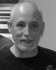 Adrian Guţă, curatorul expoziţiei de artă românească din cadrul IEEB5