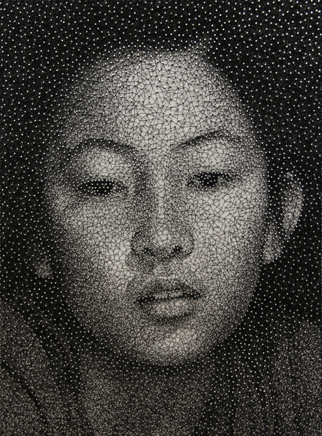 Remarkable Portraits Made with a Single Sewing Thread Wrapped through Nails