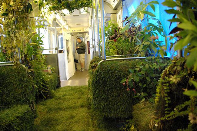 Mobile Garden, open-air public transit garden
