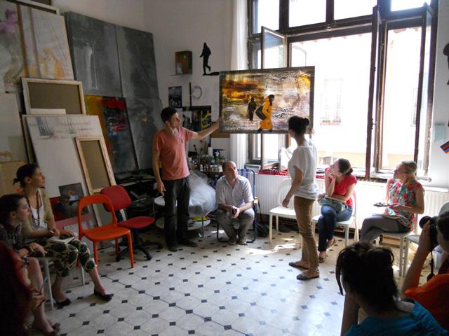 16 tineri potențiali viitori manageri culturali versus 12 profesioniști: Asociația Maia și Modernism.ro