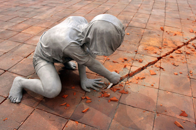 Gregor Gaida's Aluminum Boys Destroy Art Gallery Floors