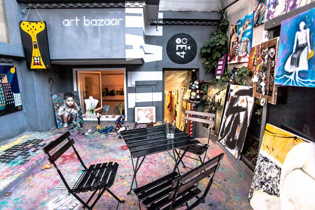 Arta contemporană: patru clișee și-o adresă: 438HALL-art bazaar
