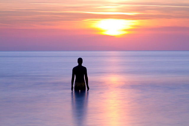 Stunning Photographs of Antony Gormley's 'Another Place' by Paul Sutton