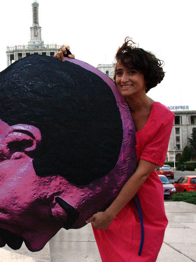 Ioana Ciocan vs Lenin