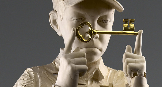 Incredible ability to sculpt wood: Aron and Gehard Demetz