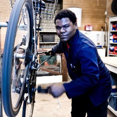 La Fabrique de l'image – Photographies de Max Jacot – Portraits pour un quartier