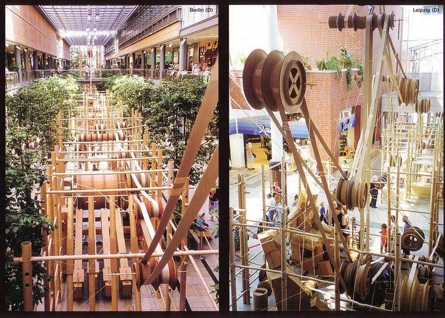 Sun Plaza este cel de-al 82-lea loc mecanizat de către artistul francez Bernard Lagneau!
