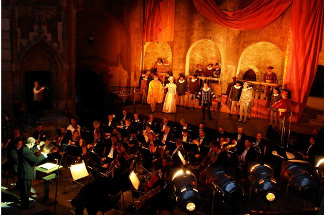 Liber la bilete la cel mai mare festival de operă în aer liber – Opera Nights