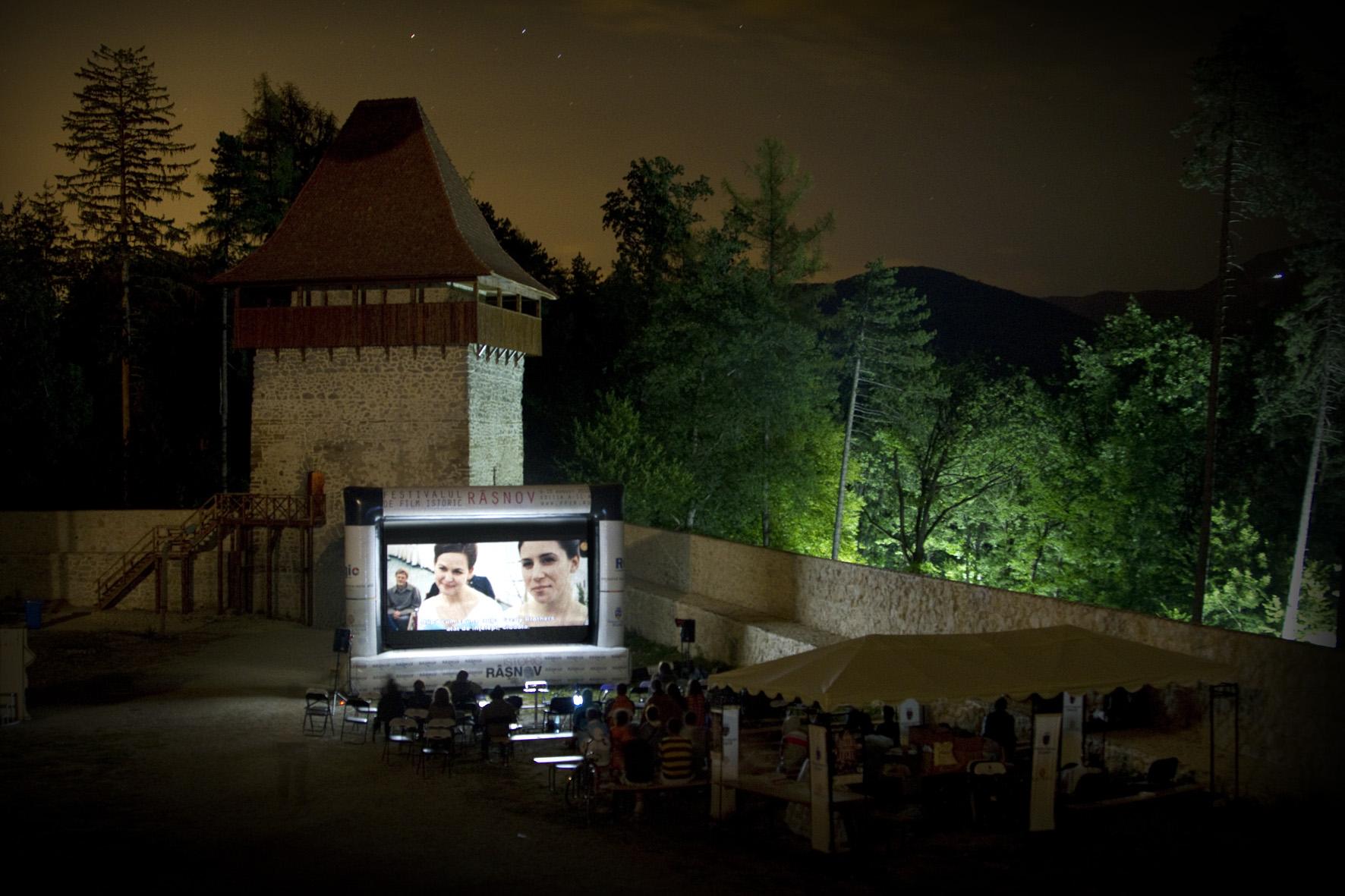 Scoala de vara pentru studentii si masteranzii pasionati de istorie @ Festivalul de Film Istoric Rasnov