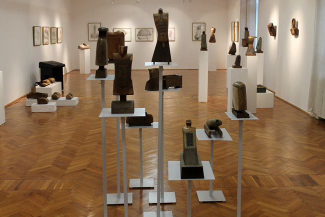 """Rudolf Kocsis, """"Urme 50"""" @ Muzeul de Artă Arad, imagini"""