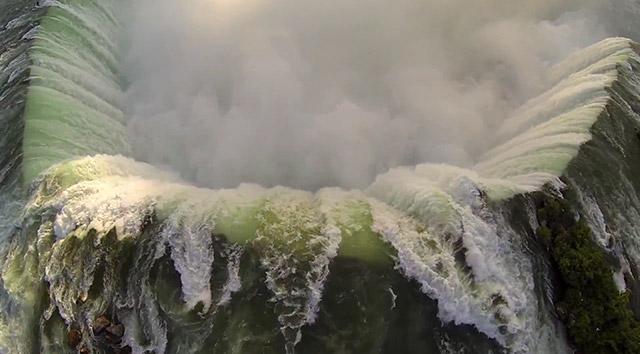 Aerial Flyover of Niagara Falls in a Quad-Copter