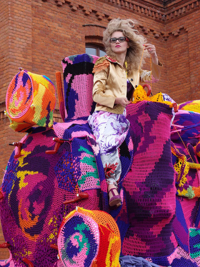 Olek Covers Entire Locomotive in Crocheted Yarn (2)