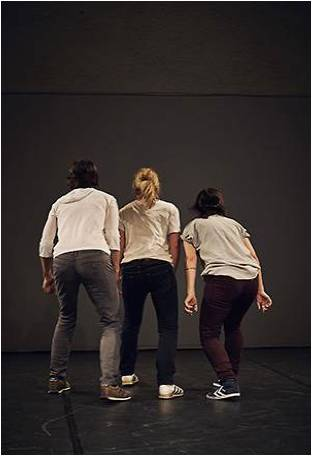 Riots and strokes – mode d'emploi, dance performing review from WorkSpaceBrussels