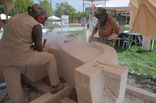 Resize of carmen tepsan - tabara sculptura mileniului 3 - parc titan LM_0022