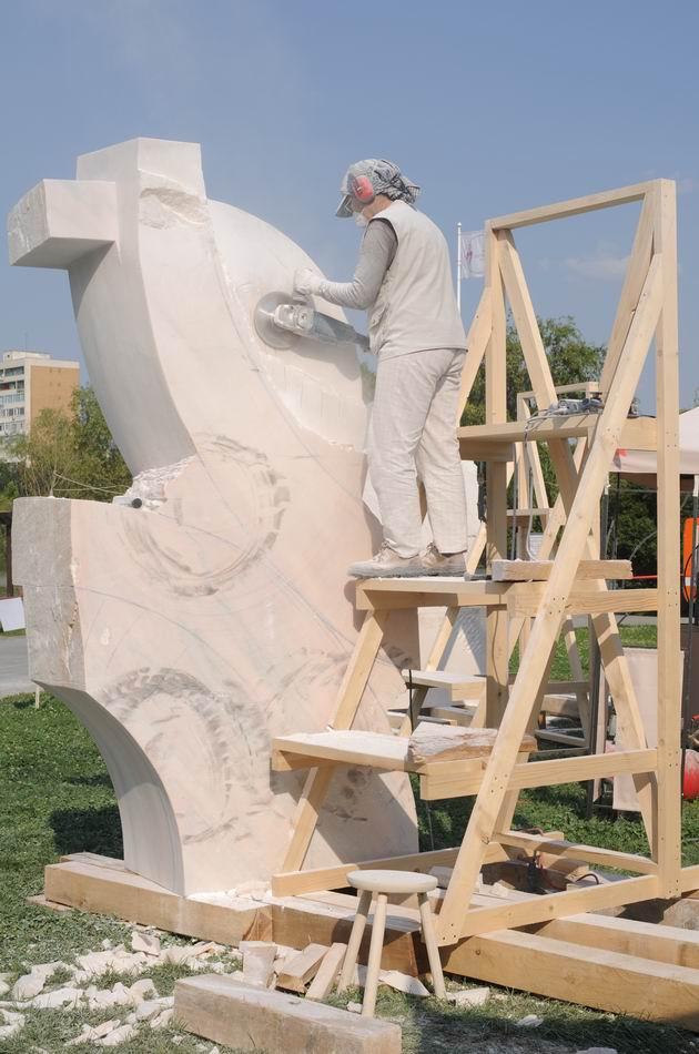 Resize of carmen tepsan - tabara sculptura mileniului 3 - parc titan LM_0176