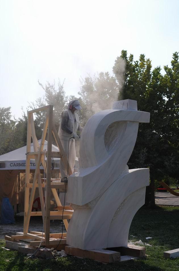 Resize of carmen tepsan - tabara sculptura mileniului 3 - parc titan LM_0178