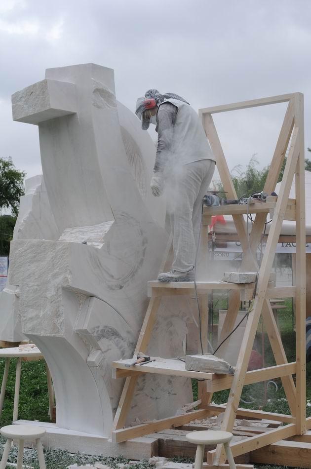 Resize of carmen tepsan - tabara sculptura mileniului 3 - parc titan LM_0205