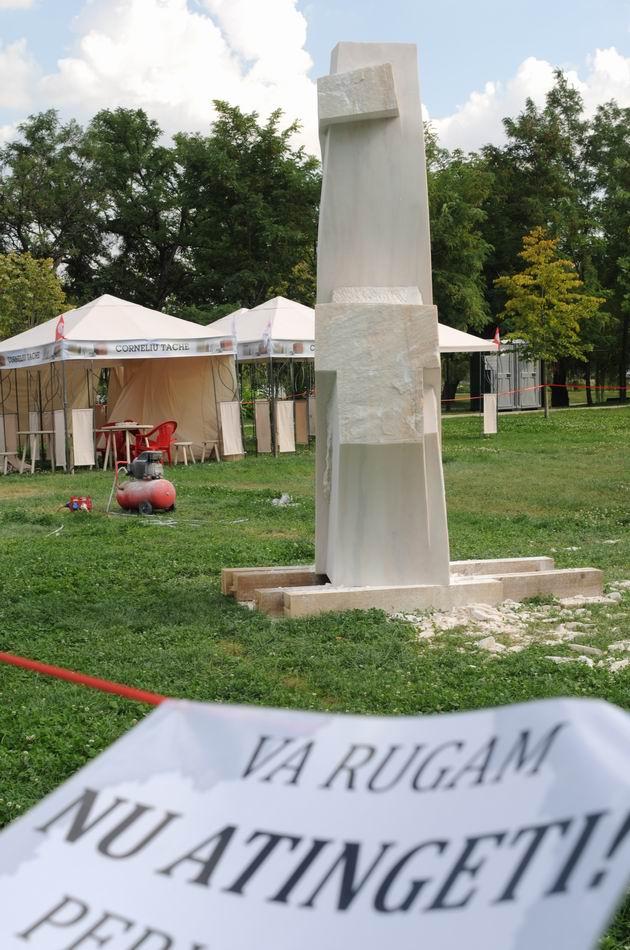 Resize of carmen tepsan - tabara sculptura mileniului 3 - parc titan LM_0222