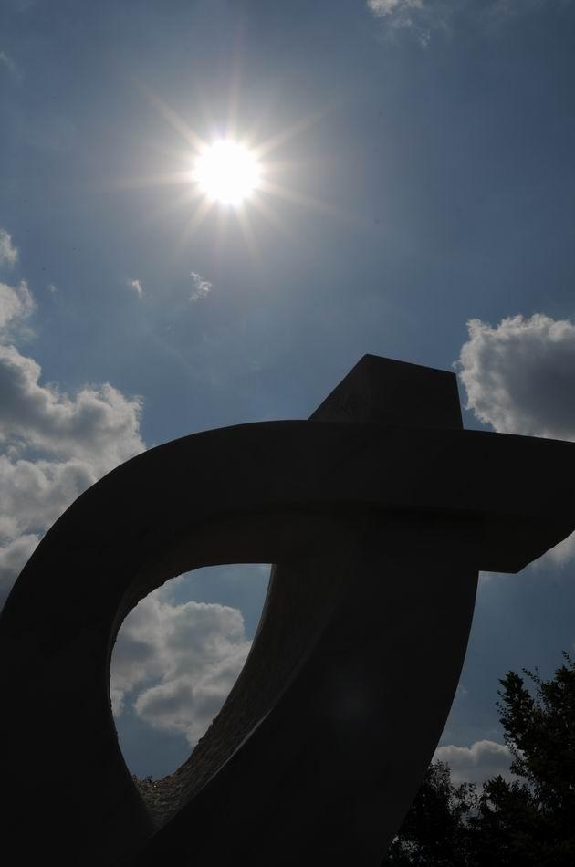 Resize of carmen tepsan - tabara sculptura mileniului 3 - parc titan LM_0227