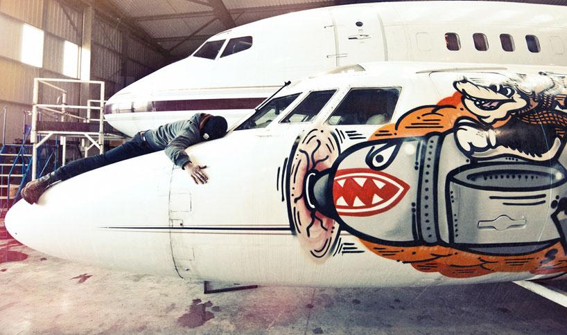 hangfire-painted-plane-designboom-12
