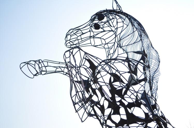 """""""Calul Titanilor"""", cea mai mare statuie ecvestră din țară – expusă în București"""