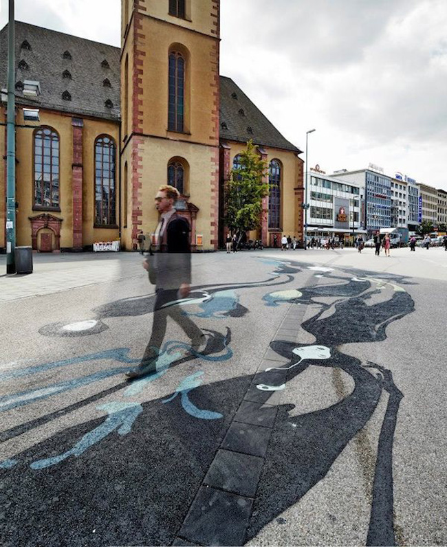 Ghoulish Shadow Art Installation in Downtown Frankfurt