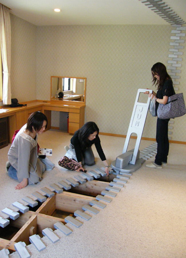 Giant Zipper Installations by Jun Kitagawa