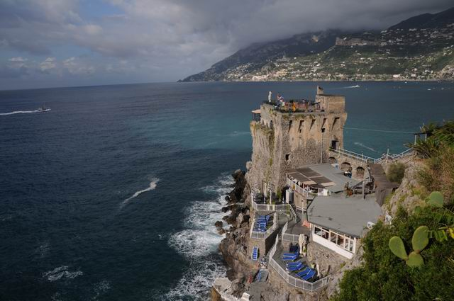 Salutari din Italia