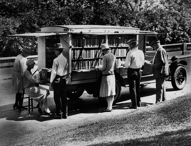 Historical Photos of Early Bookmobiles