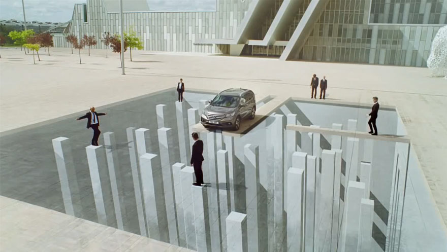 Mind-Bending Ad Uses Anamorphic Illusions & Forced Perspective