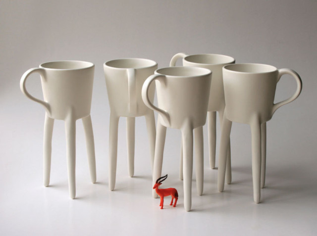 Giraffe Cup Stands on 3 Tall Legs