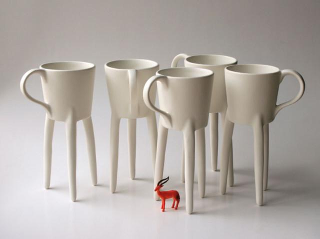 Giraffe Cup Stands on 3 Tall Legs