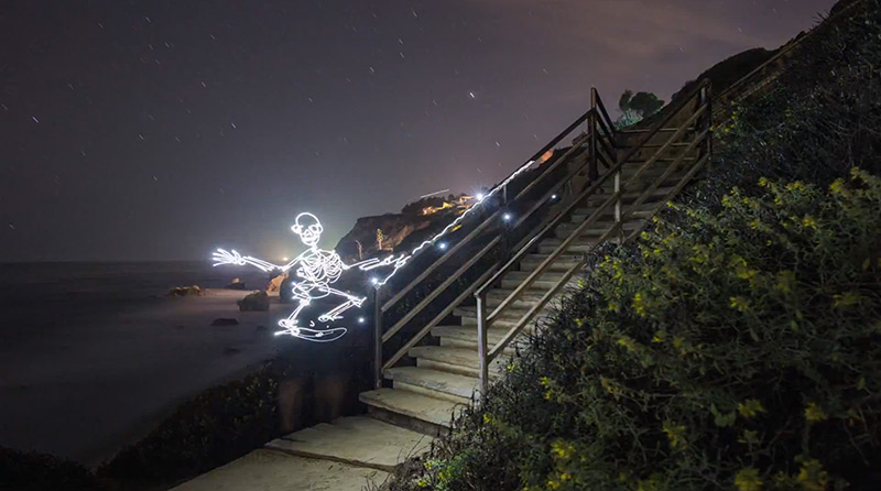 """""""Light Goes On"""" – an animated light-painting film"""