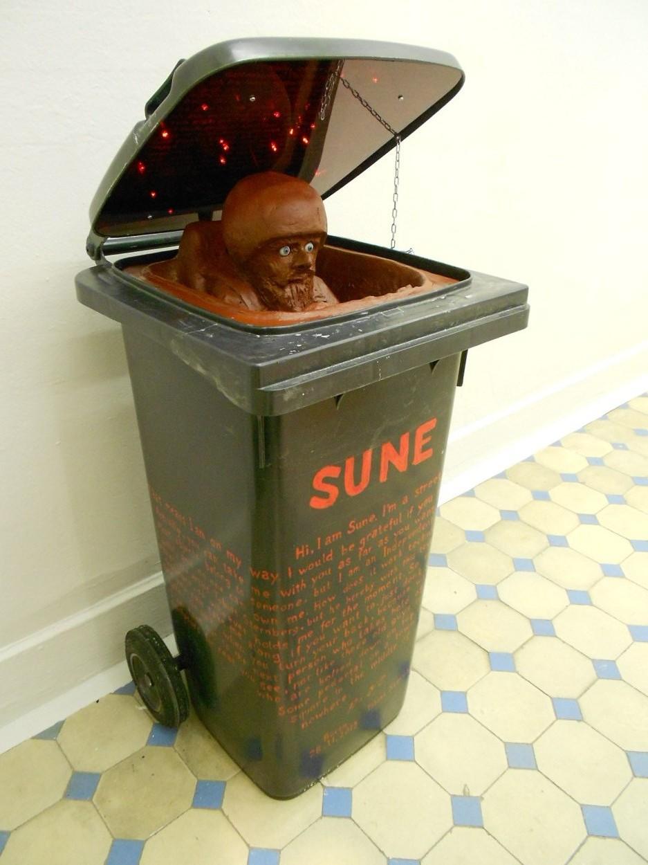 6. Tobias Sternberg - Sune (Independent Art Objects series) sculpture