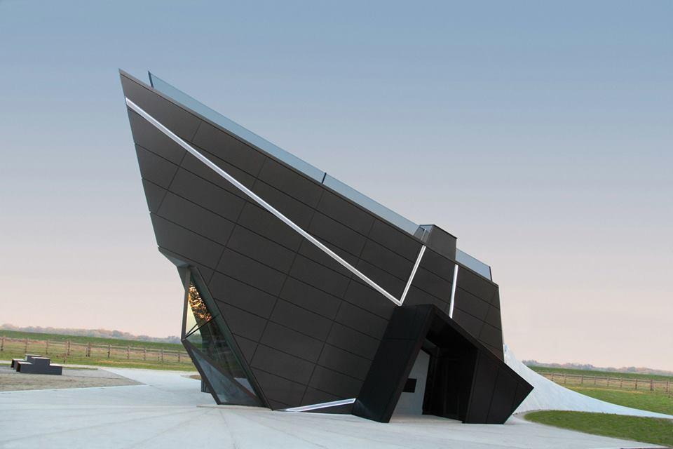 Digital Museum / Claudiu Ionescu