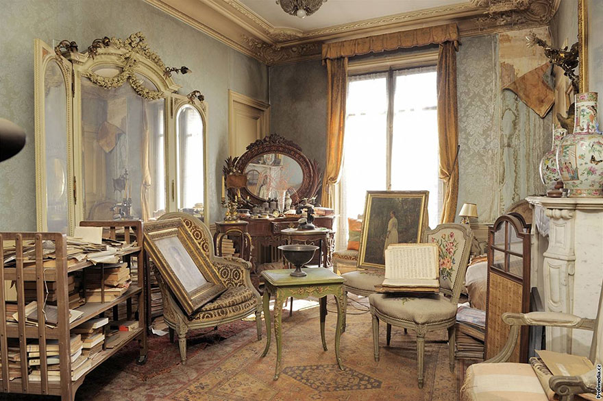 Untouched Apartment in Paris Opened After 70 Years Has Painting Worth $3.4M