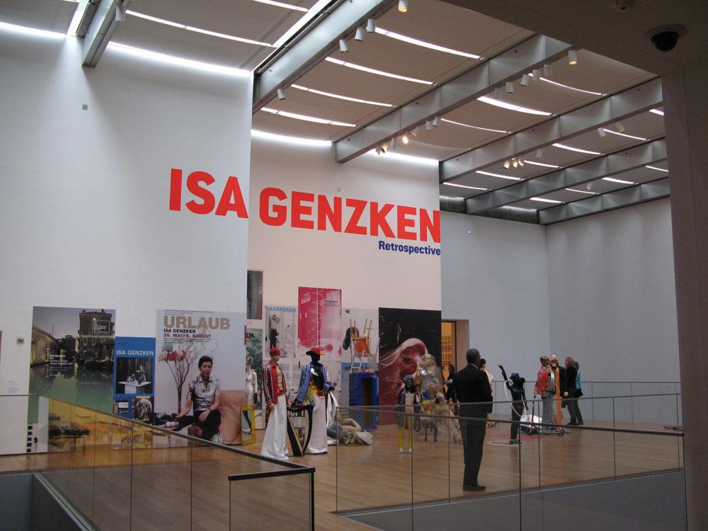Retrostectiva ISA GENZKEN @ MoMA