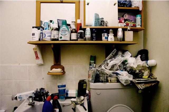 The-Art-of-Keeping-Bathroom1-640x426