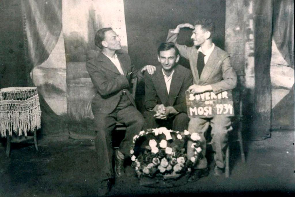 Gherasim Luca, Geo Bogza and Jules Perahim, Mosi, 1934 /studio /sc