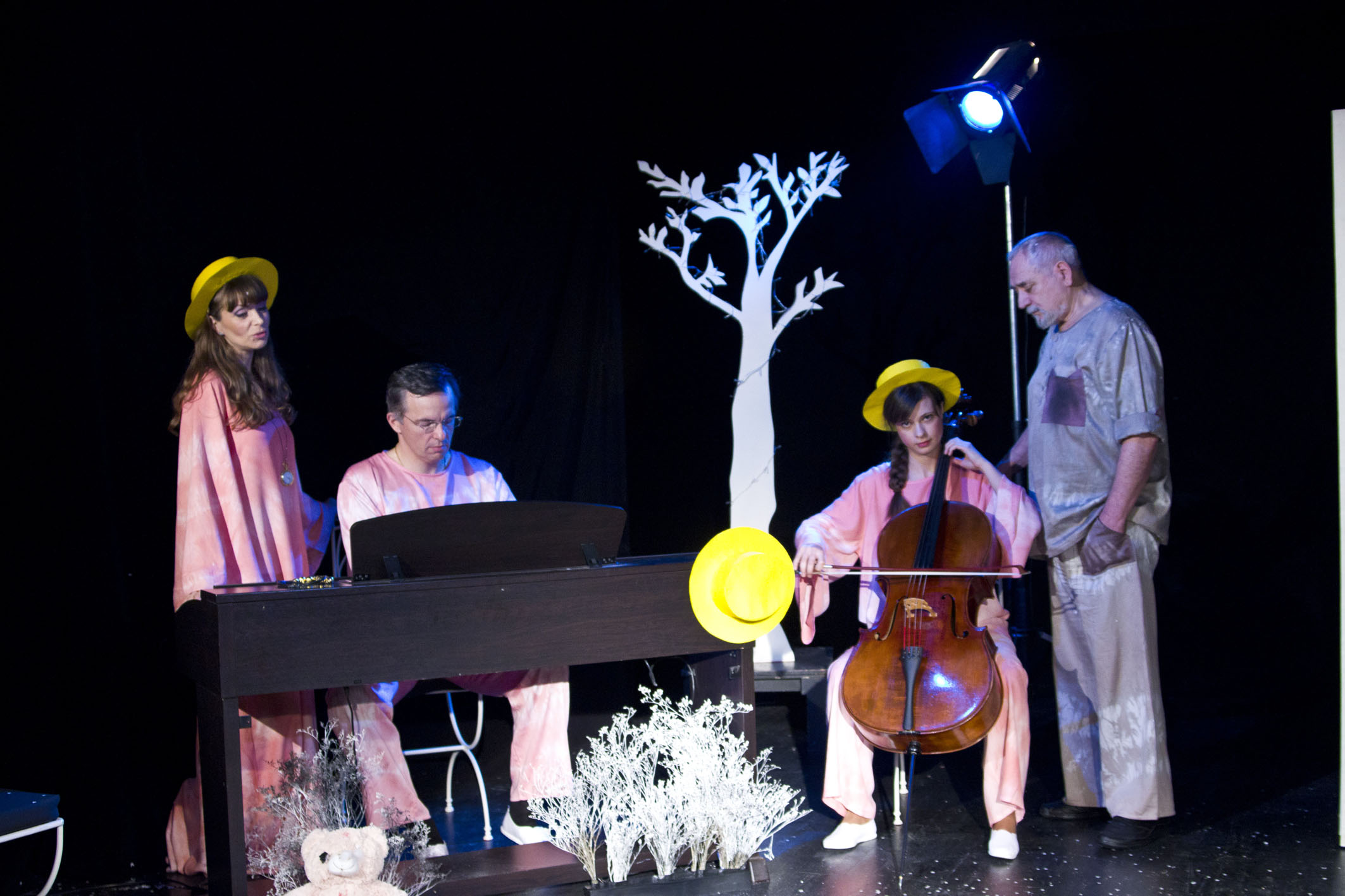 Premieră la Nottara: Rapsodie-n roz cu Alexandru Repan