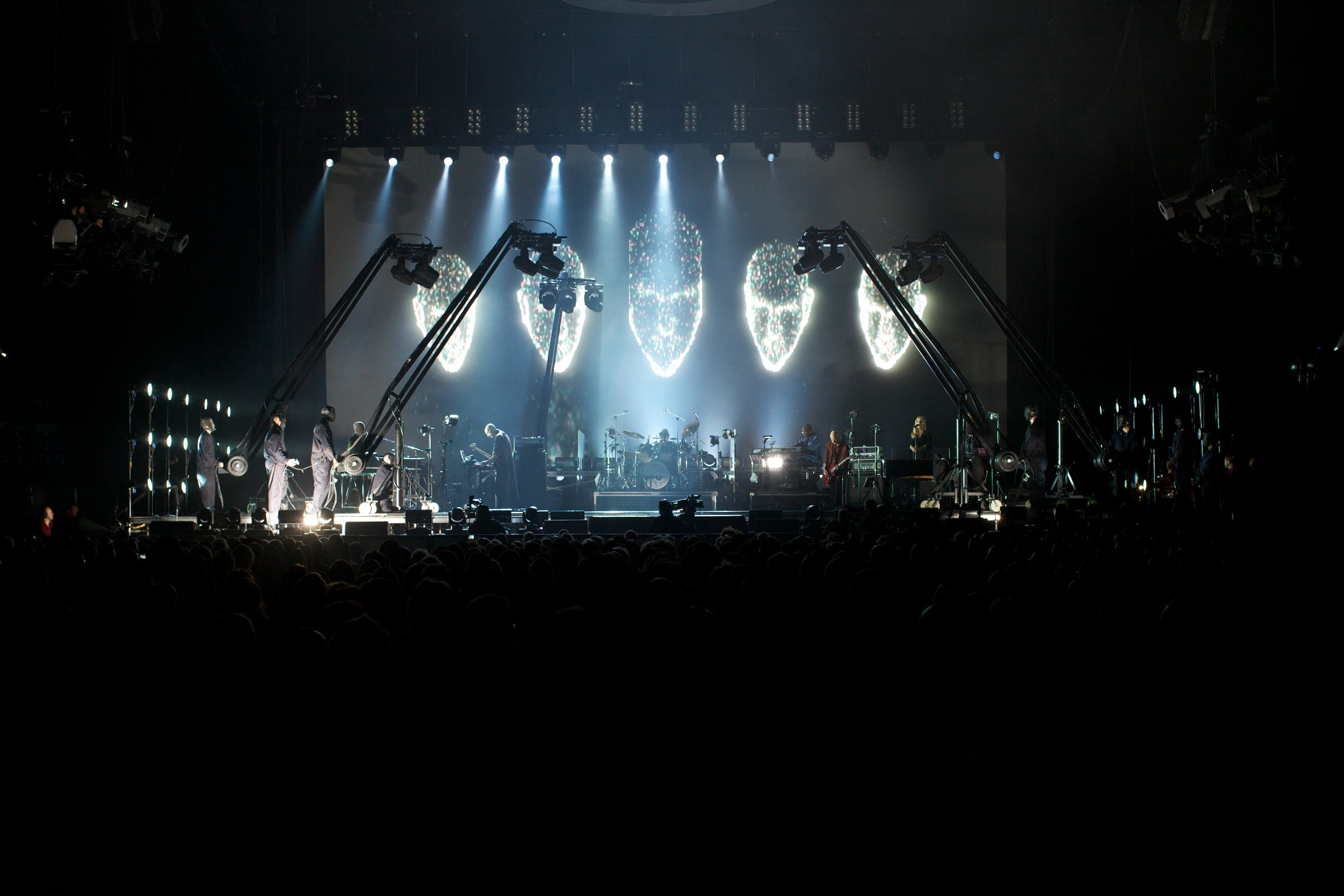 Back to front_Peter Gabriel_Photo credit York Tillyer (2)