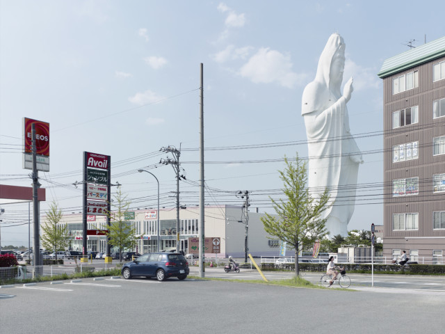 Colosses, Photos of Monumental Statues From Around the World