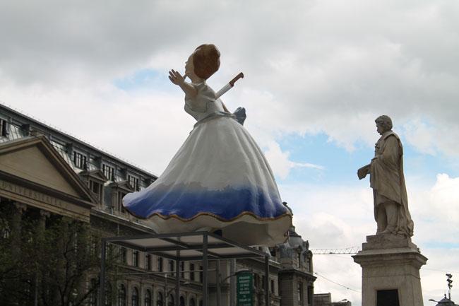 Contesa de Ileana Oancea poate fi văzută în Piața Universității din București
