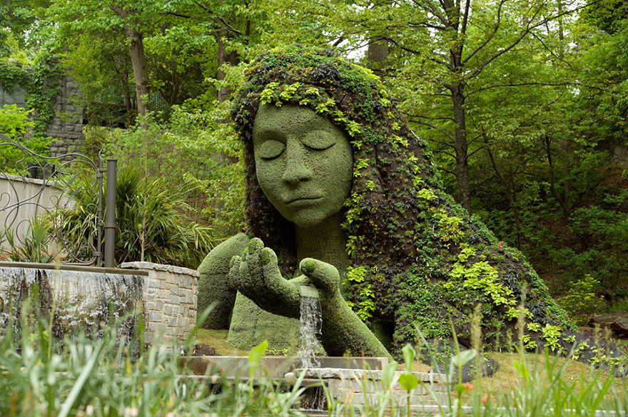 Giant Living Sculptures At Atlanta Botanical Gardens' Exhibition