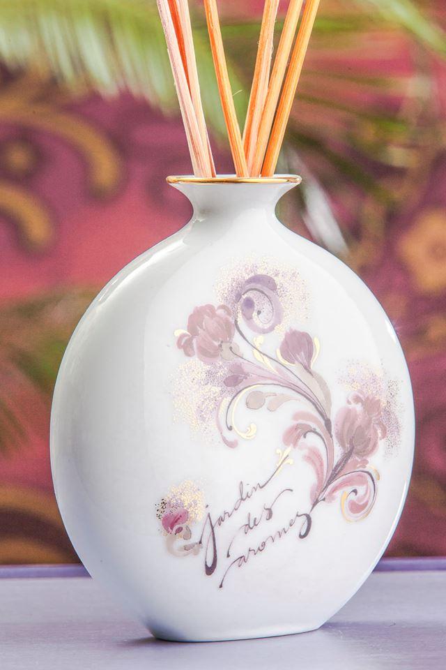 """Wagner Arte lansează """"Jardin des Arômes"""", o colecție de parfumuri de interior și recipientele acestora din porțelan"""